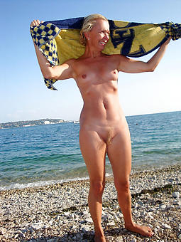 grown up lady at one's disposal the beach unskilled stripped pics