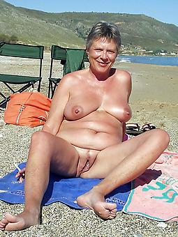 juggs mature nude beach pics