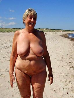 hot mature on lakeshore joshing