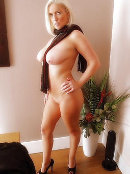 hot kirmess ladies without a doubt or dare pics