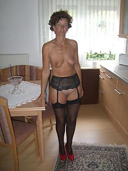 reality brunette ladies nude photos