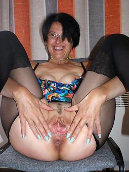 brunette ladies porn galleries