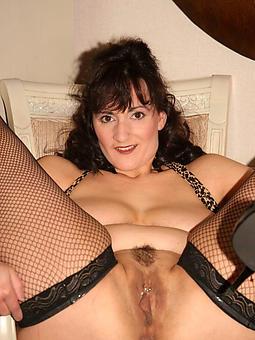 whore mature brunette pussy pics