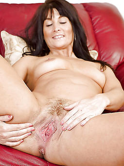 brunette mature milf amatuer