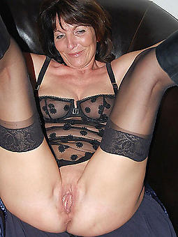 mature brunette porn pic