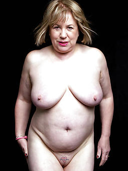 chubby mature ladies buttering-up