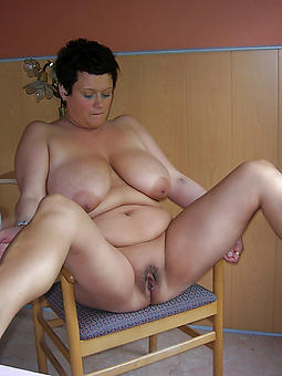free pictures of  fat matures in stockings