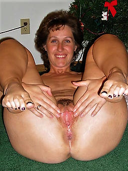 grown-up squirearchy feet free porn pics