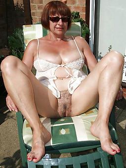 whore mature lady paws buckshot