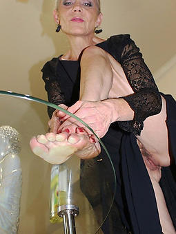 german mature milf feet pics