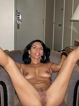 xxx mature feet porn galleries