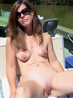 mature women in glasses nudes tumblr