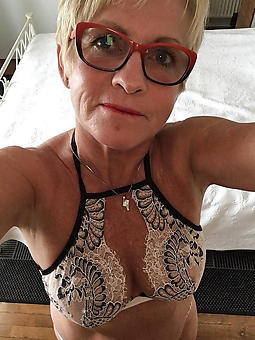 matures in glasses amature milf pics