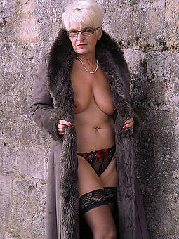 naked matures in glasses tumblr