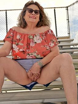 grandma masturbating xxx pics