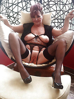 unconforming stark naked mature legs heels pictures