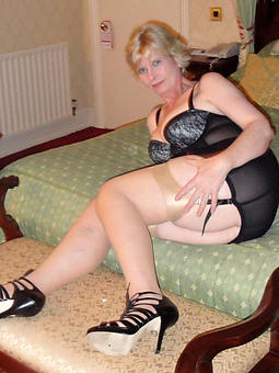 old mature unsubtle in heels coitus pictures