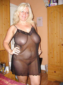 doyenne mature housewives