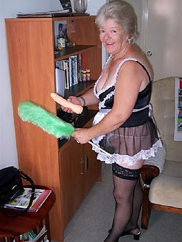 sweet older mature housewives pics