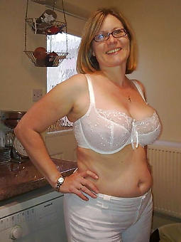 mature bbw housewives making love pictures