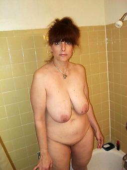 mature horny housewives porno