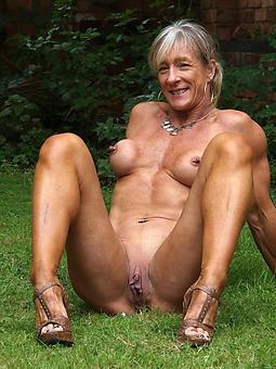 Lady Legs Pics
