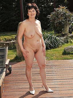 long legs mature porn galleries