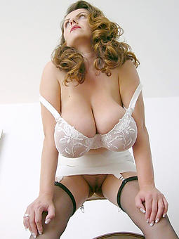 hot mature descendant not far from lingerie rapine