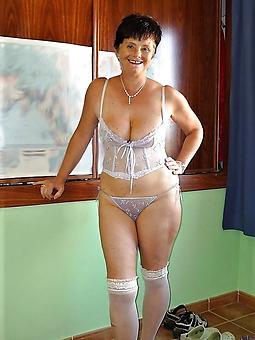 beautiful aristocracy in undergarments amature milf pics