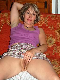 busty mature masturbating free porn