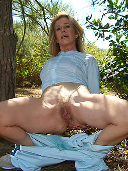 pictures of grown up outdoor pussy