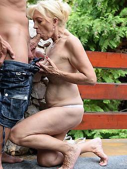 naked mature wife outdoors soles
