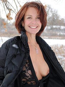 amateur unclothed matured ladies outdoors twit