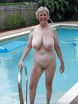 mature ladies outdoors free porn