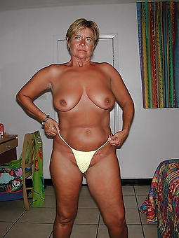 amature senior ladies in In US breeks pictures