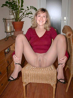 full-grown ladies in pantyhose nudes tumblr