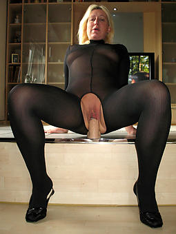 unorthodox matured spread out pantyhose pictures