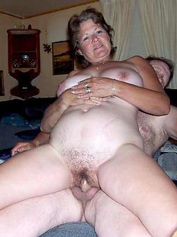 mature lady fucks pic