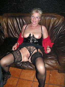 pictures of mature ladies back stocking