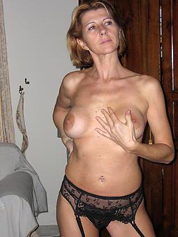 hot mature solo amature porn