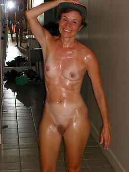 skinny mature Bristols amateur porn pics