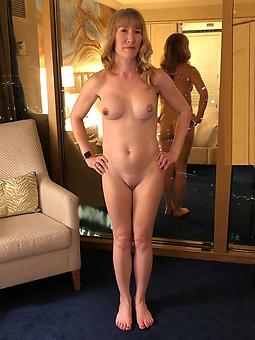 naked mature skinny women strip