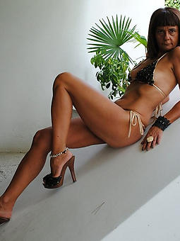free skinny mature spliced porn pics