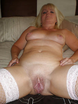 grown-up shaved pussy amateur porn pics