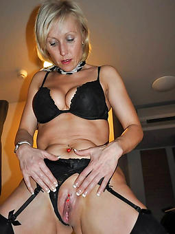 mature shaved pussy porn galleries
