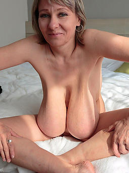 natural grown up saggy tit porn