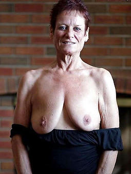 juggs old lady saggy tits nude pics