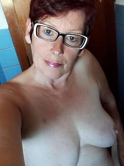pretty naked mature selfshots like a flash