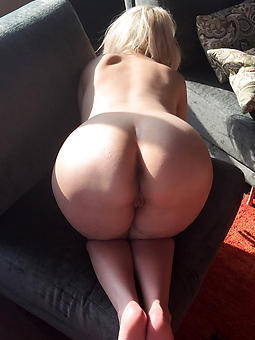 curvy ladies nude stripping