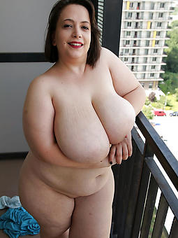 mature curvy pain in the neck porn pic